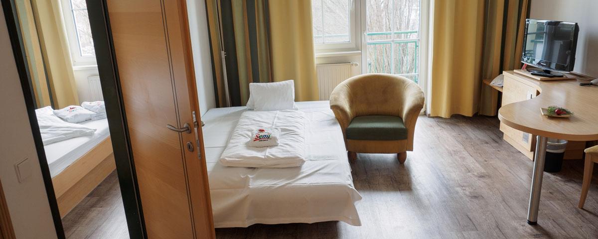 Schlafbereich im Familienzimmer im Hotel Xylophon in Lutzmannsburg